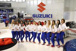 E dizajn Suzuki auto show hostese